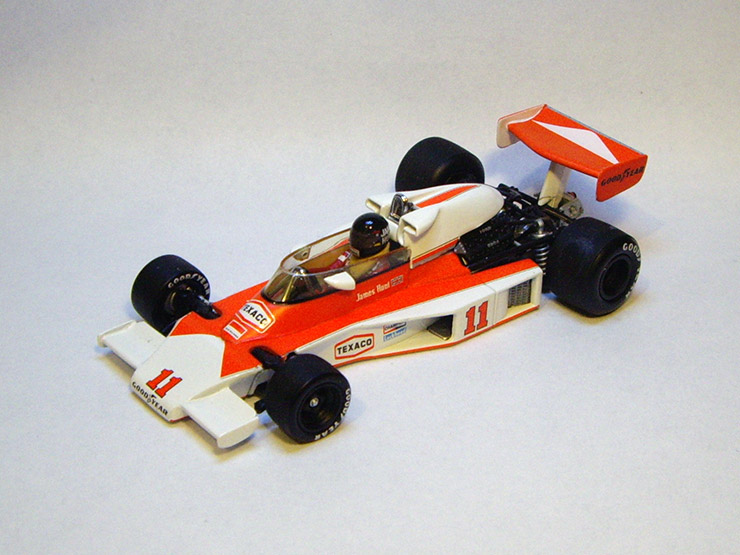 McLaren M23 del 1976 by Minichamps