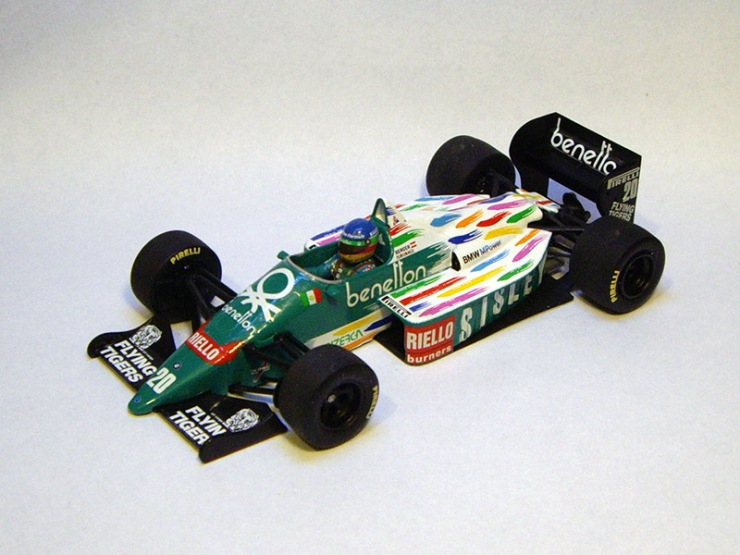 Benetton B186 by Minichamps
