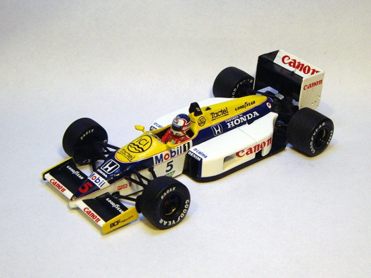 Williams FW11 by Minichamps